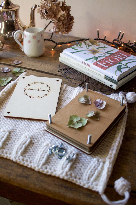 Regali romantici per ragazze innamorate dei fiori - Flower Press - Lily&Sage Design