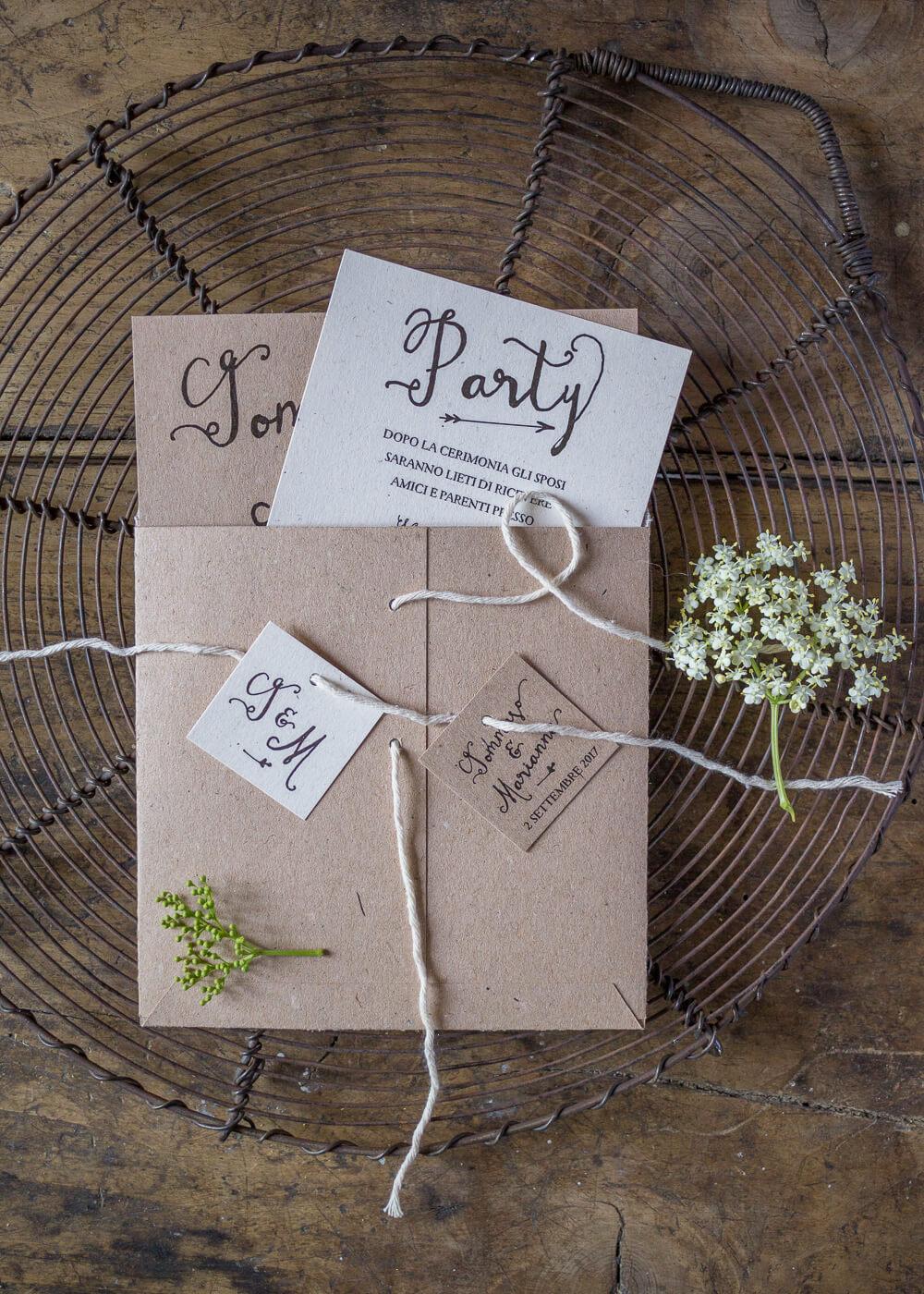 Wedding suite Campagna inglese - Partecipazione, invito, busta e tag in carta riciclata - Lily&Sage Design