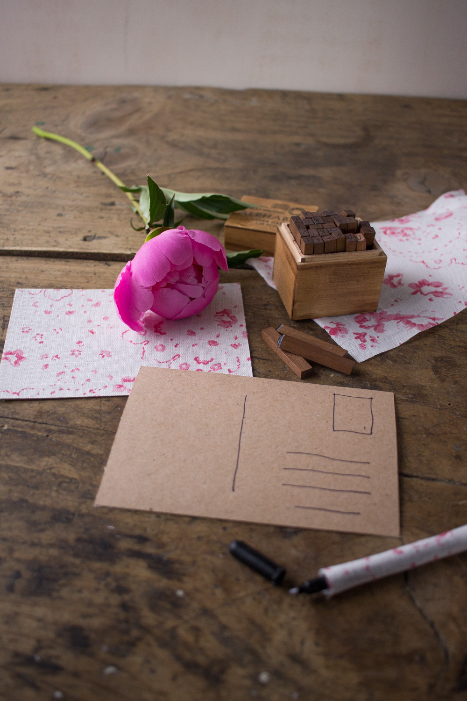 Cartoline fai da te - Cartoline rivestite in tessuto Cabbages&Roses - Lily&Sage Design