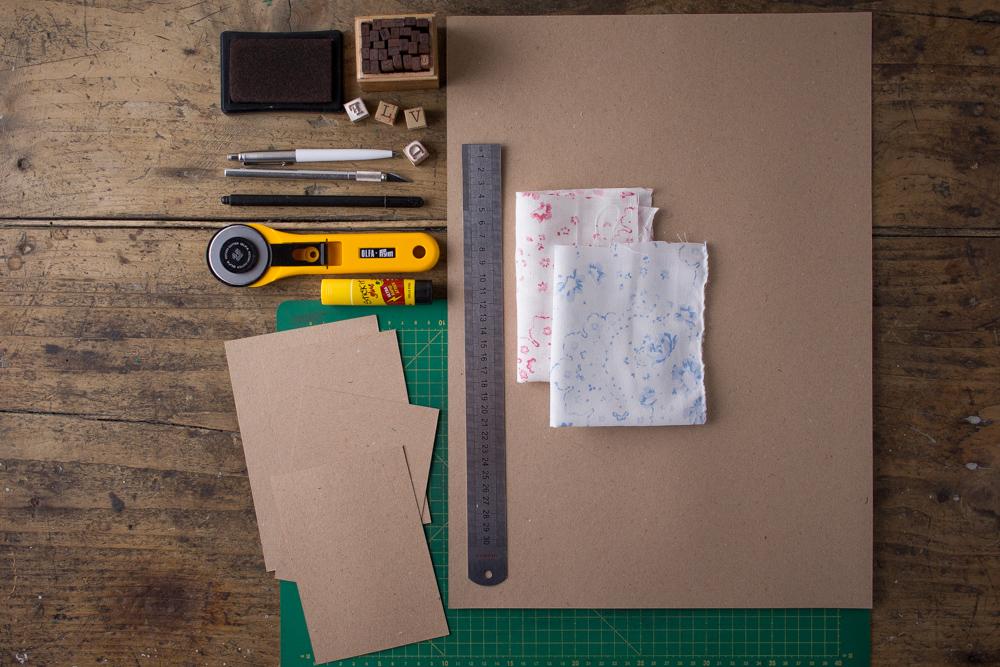 Cartoline fai da te - Cartoline rivestite in tessuto Cabbages&Roses - Strumenti - Lily&Sage Design