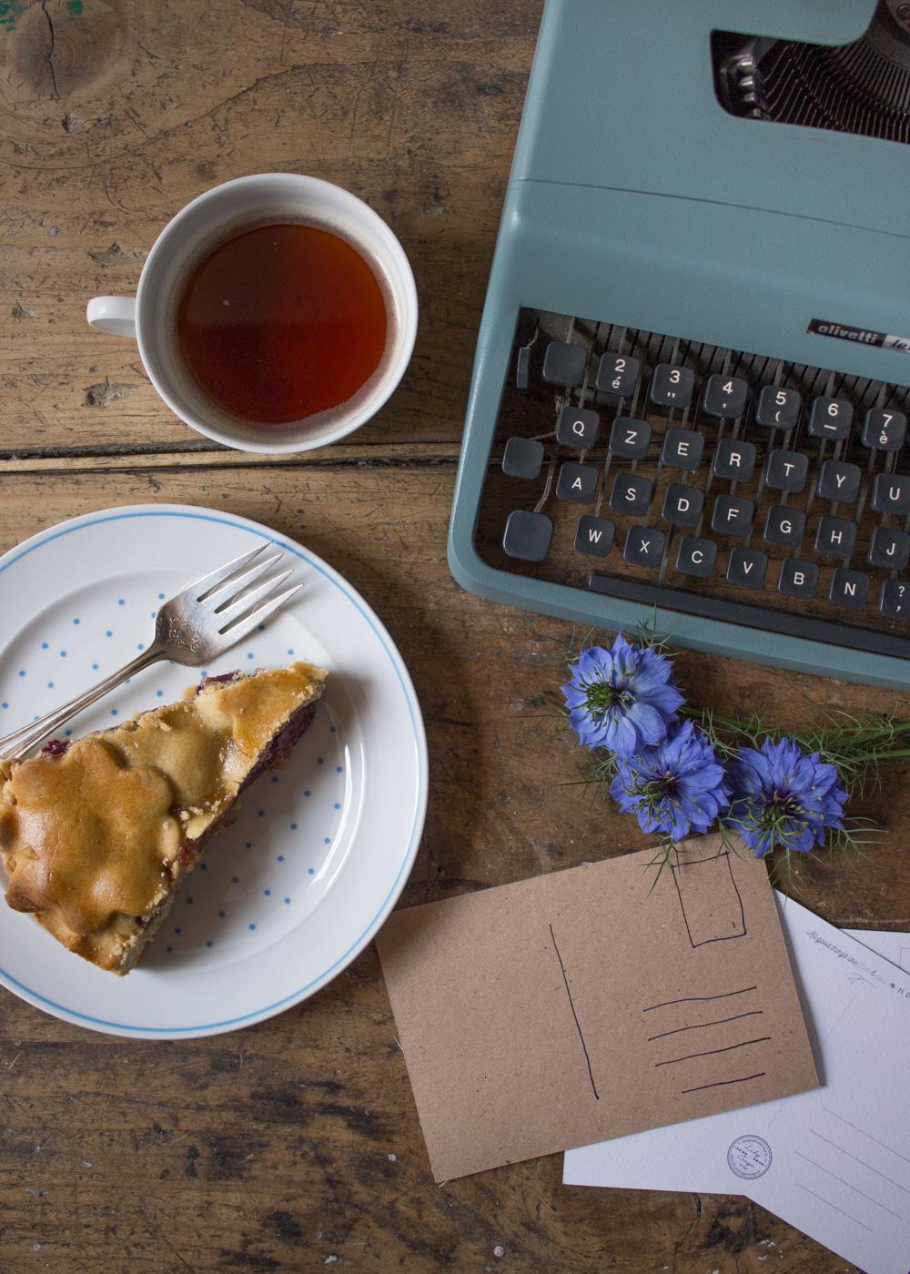 Colazione, cartoline e macchina da scrivere - Lily&Sage Design