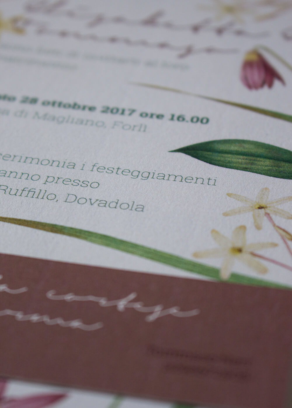 Wedding suite botanica Lillie - Dettagli inviti botanici in carta vergata - Lily&Sage Design
