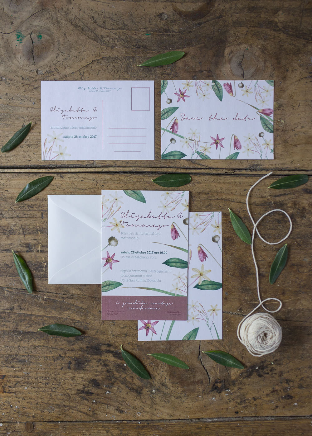 Wedding suite botanica Lillie - Partecipazioni di matrimonio e cartolina Save the date in carta vergata - Dettagli botanici - Lily&Sage Design
