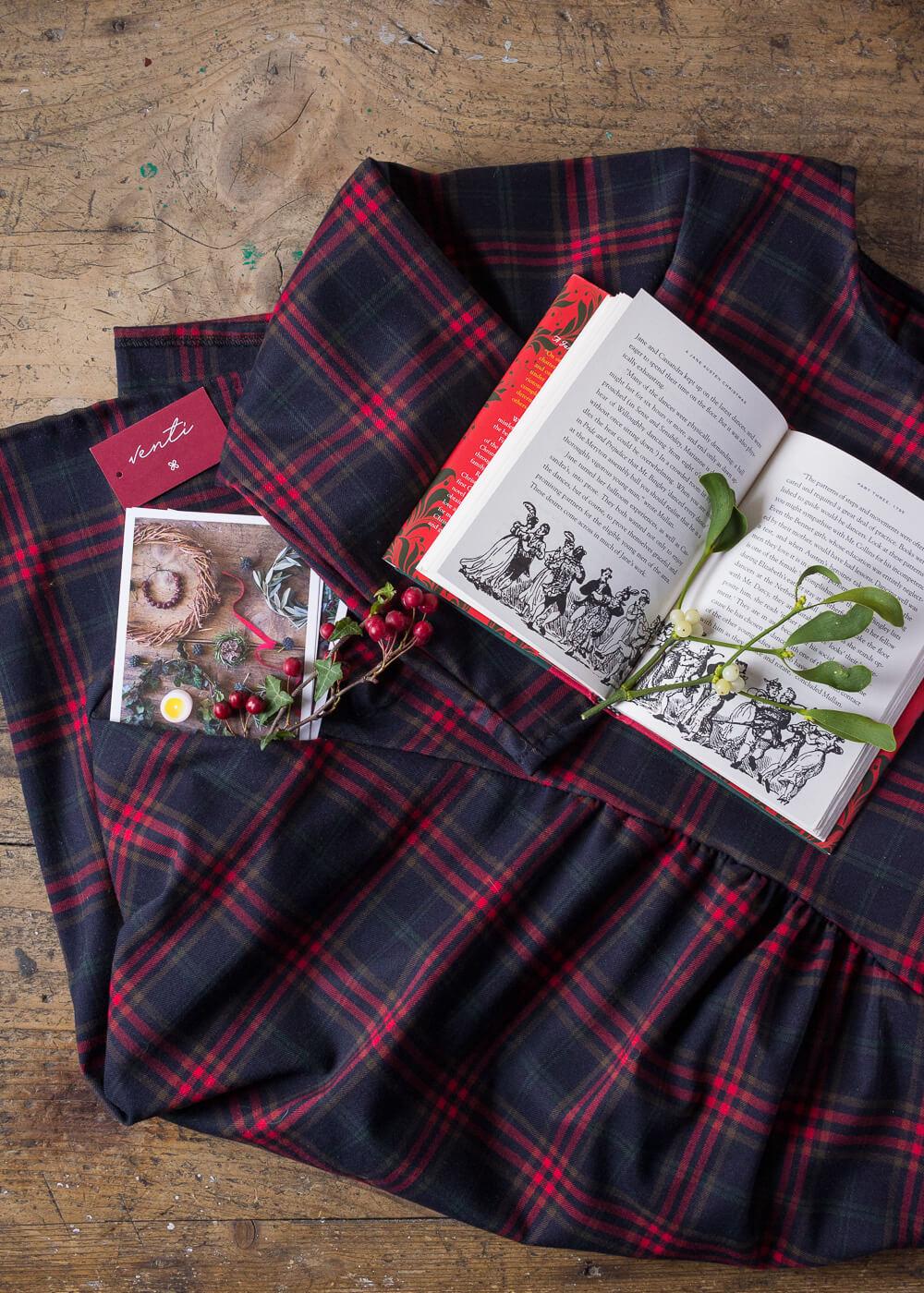 Calendario dell'Avvento - Un vestito per Natale - Un Natale di tradizioni - Lily&SageDesign