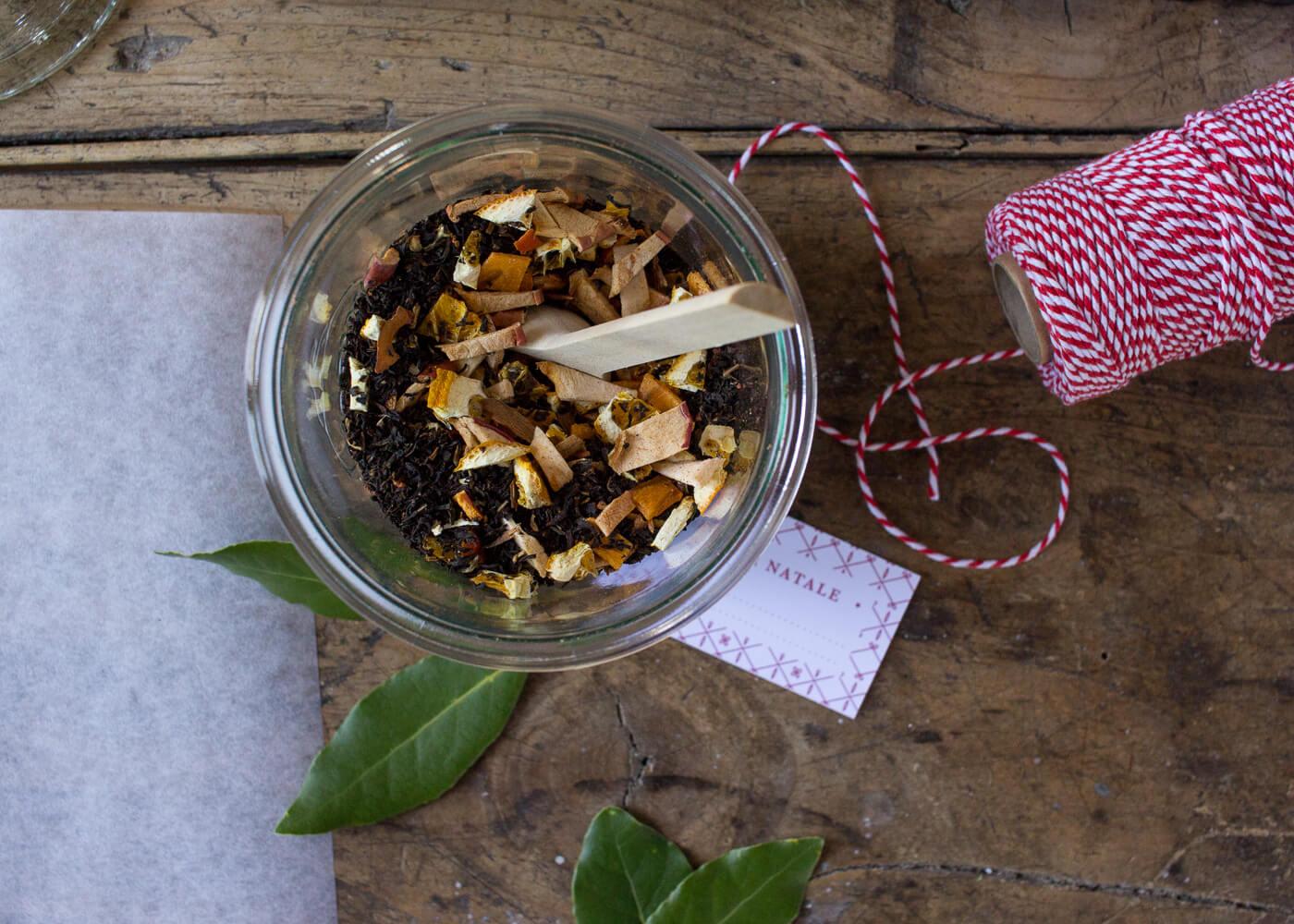 Calendario dell'Avvento - Impacchettare il tè di Natale - Tag da scaricare - Un Natale di tradizioni - Lily&SageDesign