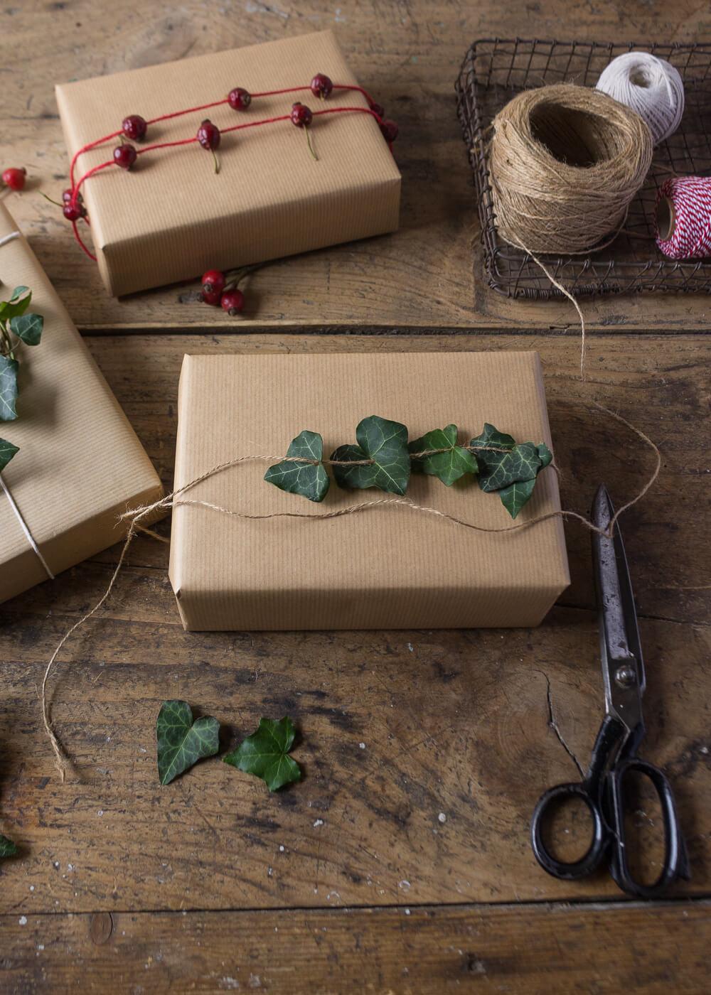 Impacchettare i regali di Natale con il linguaggio dei fiori - Edera - Lily&Sage Design